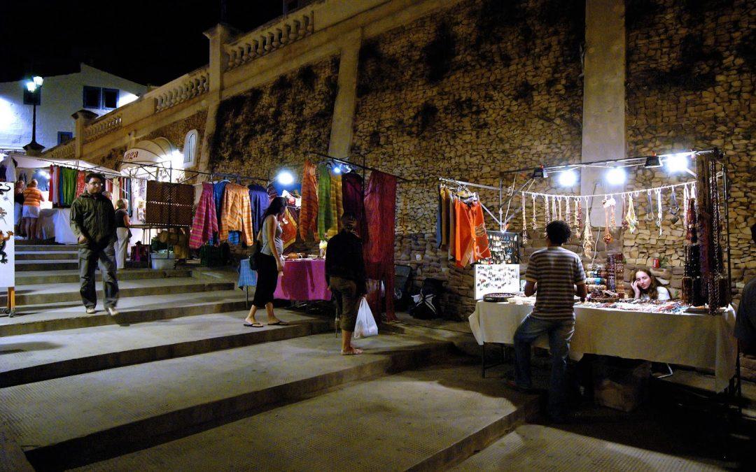 Feria nocturna artística y artesana